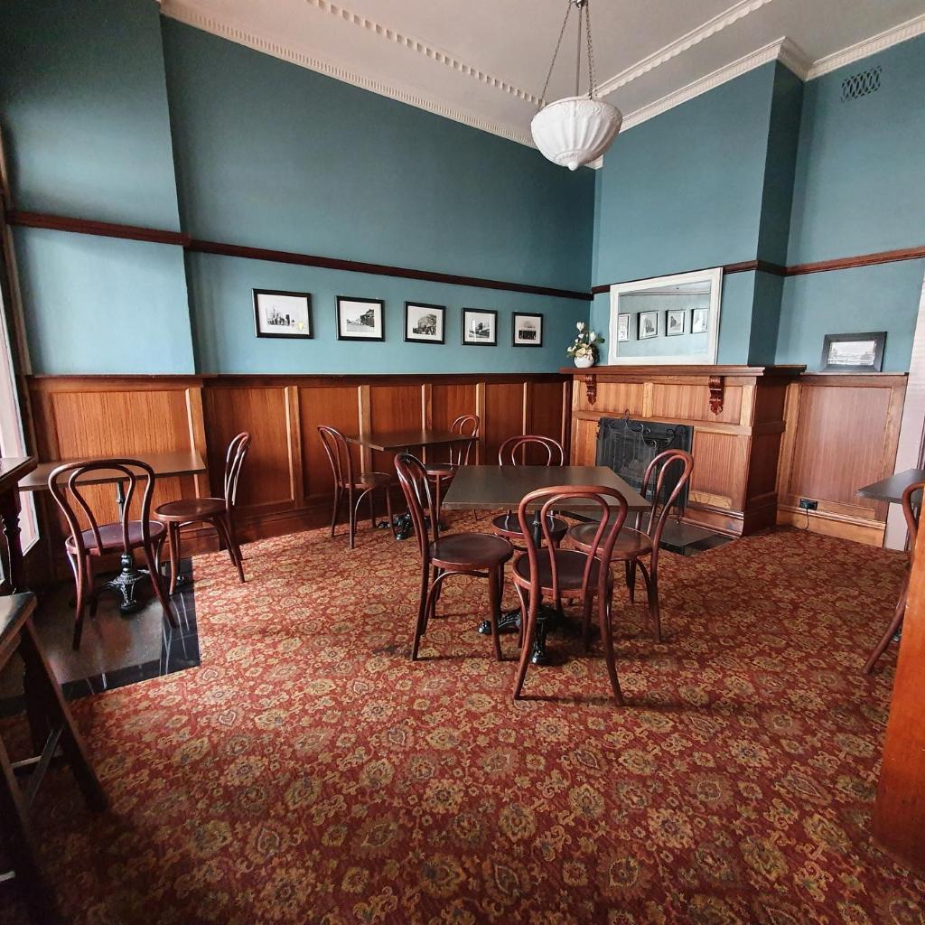 heritage lounge RH
